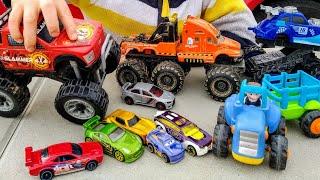 Синий трактор привез машинки хот вилс. Видео для детей. Машинки игрушки .Хот Вилс.