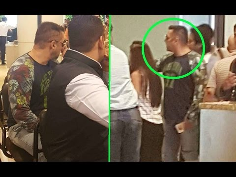 Salman Khan Gets Angry On Airport Authorities After Missing His Flight - Watch Full Story!