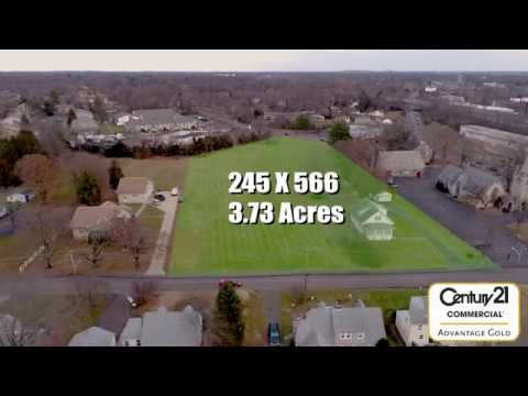 Real Estate: single-shot Flyover video with simple graphics