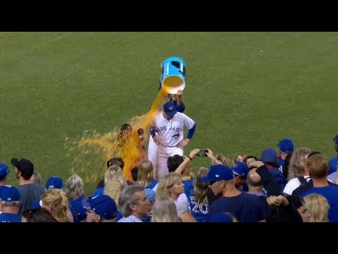Gotta See It: Hazel Mae gets Powerade shower while interviewing Smoak