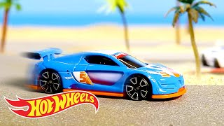 Hot Wheels Epic Beach Day! | World of Hot Wheels | Hot Wheels