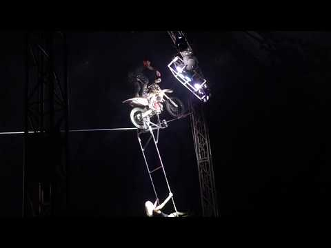 Motorbike on the highwire act