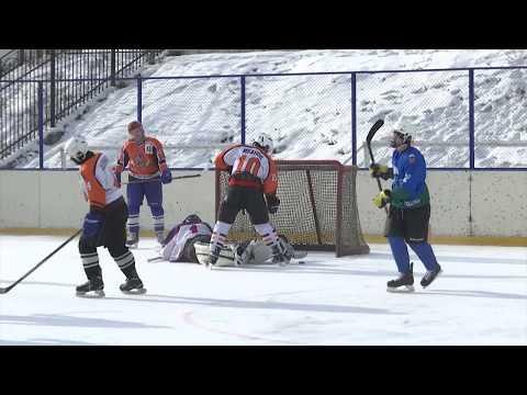 15 летний хоккеист играет за взрослую команду. В  Бурятии отметили день зимних видов спорта 2020.