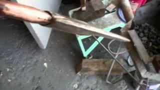 splitting firewood Axe VS. Maul.