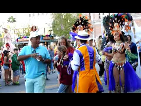Mardi Gras Party Stree At Universal Everybody Having Fun!