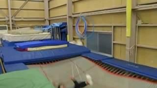 趣味トランポラー薄井康志のトランポリン練習動画です。 日々練習中で、...
