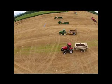 Pik Rite Hydra-Pull Spreader Demonstration at North American Manure Expo