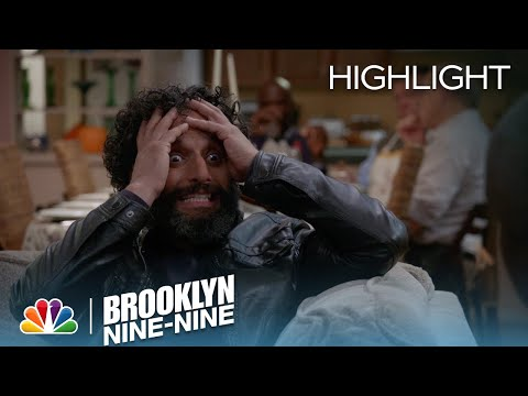 brooklyn-nine-nine---adrian-freaks-out-over-the-national-dog-show-(episode-highlight)