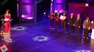 اتفرج| وزير الثقافة يكرم الفائزين فى ختام المهرجان القومي للسينما