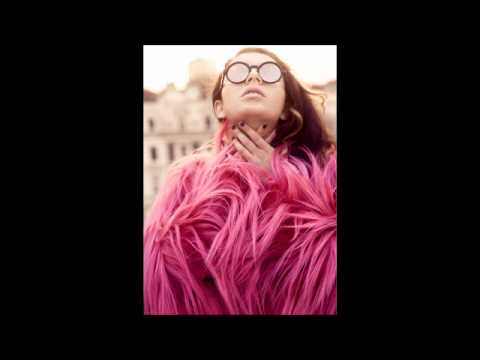 Charli XCX - Valentine