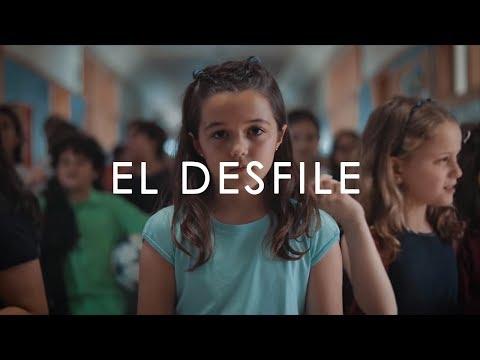 Veintiuno - El desfile (Videoclip Oficial)