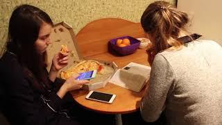 VLOG Мы у девочек на квартире. Собираем им компьютер. Как живут Настя и Катя