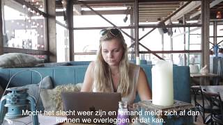 Business School Notenboom student José loopt stage bij Beachclub Bloomingdale.