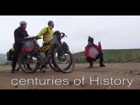 The silk road by bike.Sergio Borroni, Armando Lanaro, Ralf Kirchhoff . Salsa Fargo