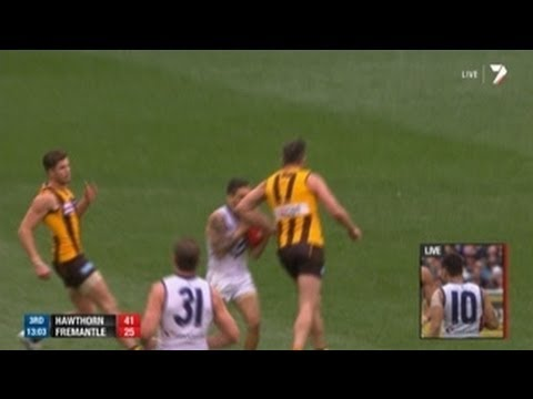 Grand Final: Lake throws an elbow