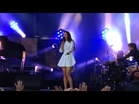 LANA DEL REY LIVE IN BERLIN HD - BLUE JEANS/WEST COAST