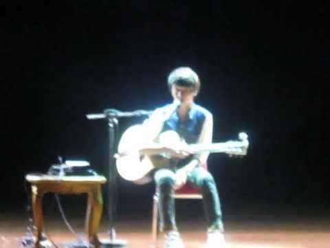 "Sungha Jung says ""Apa Kabar"" at concert in Jakarta"