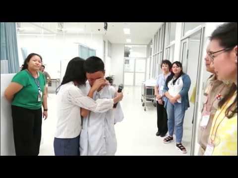 Meninos da caverna da Tailândia participam de cerimônia para agradecer pela rápida recuperação