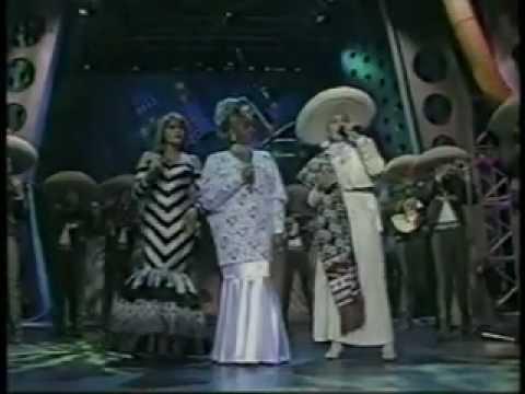 Celia Cruz / Angela Carrasco - Cucucurrucucu Paloma