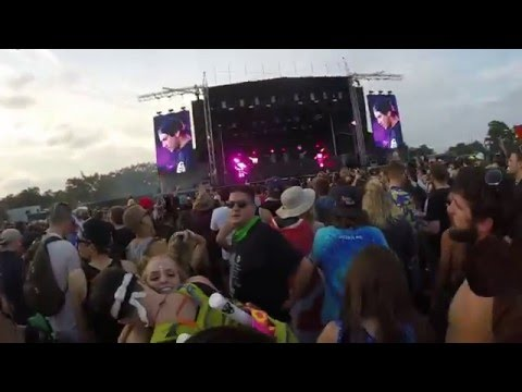 Jauz - Where Are U Now Marshmello Remix (Voodoo Music Festival 2015)