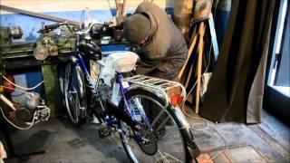 Запуск классического мотовелосипеда