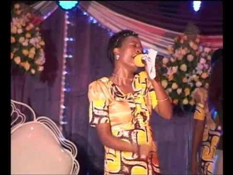 Efatha Ministry Mass choir - Bwana u mwema