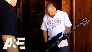 Storage Wars: Jarrod and Brandi's Les Paul Guitars (S6, E4) A&E