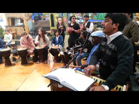 Pakistan delegates visit WBC and jam with class