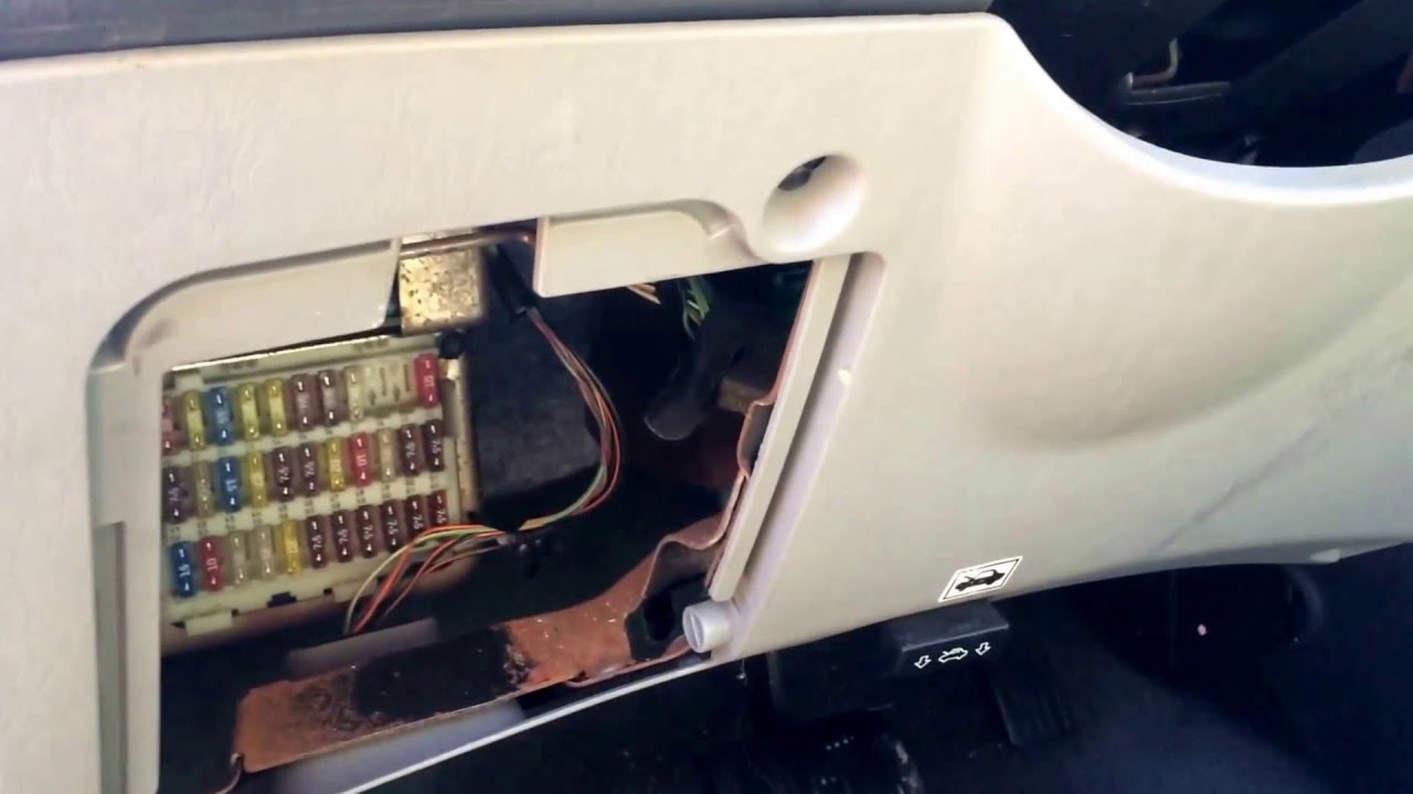 ford focus 2004 2011 fuse box location youtube mustang fuse box [ 1280 x 720 Pixel ]