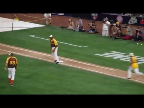 Jamie Foxx at bat 2016 MLB All Star Game