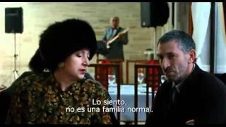 El viaje del director de Recursos Humanos Trailer subtitulado español
