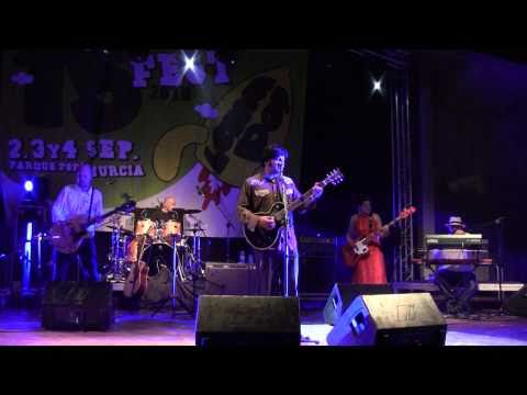 CORNERSHOP - Brimful of asha (live) (Lemon Pop Festival, 2010)