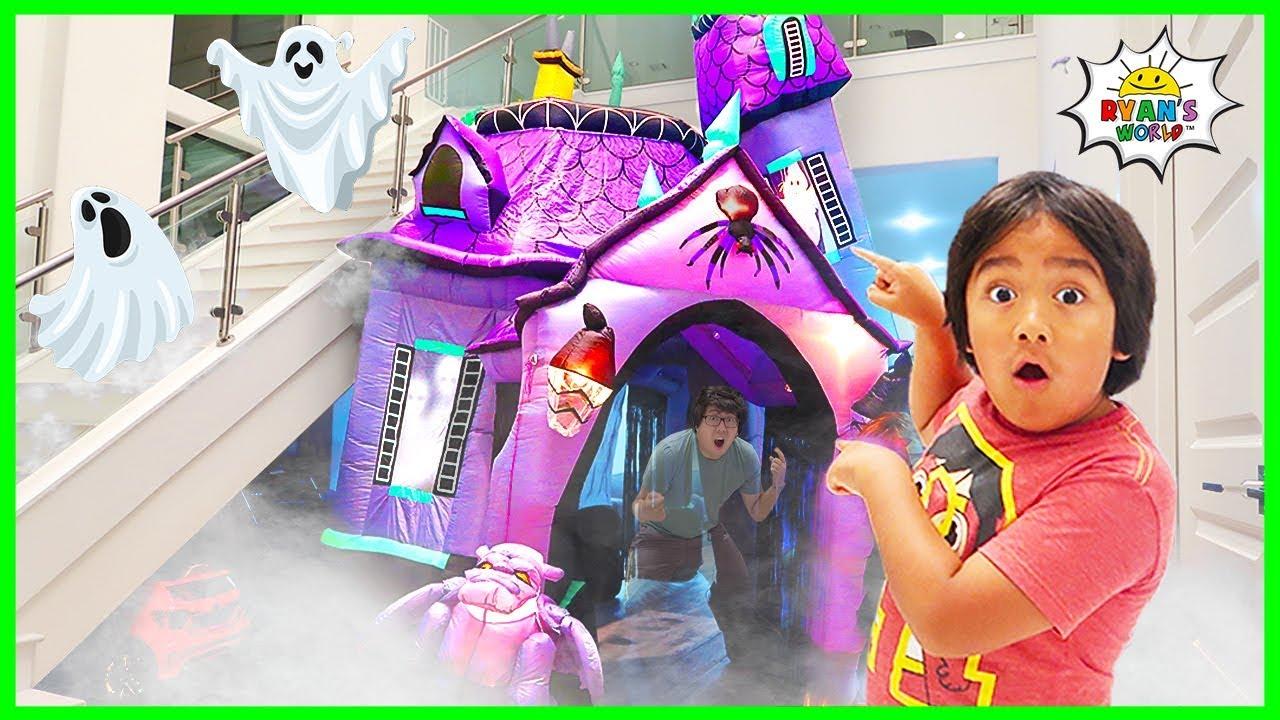 Halloween haunted house 24 hours challenge overnight with Ryan!!!!