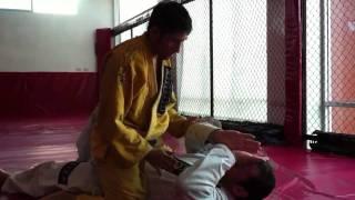 Saída da montada Jiu Jitsu