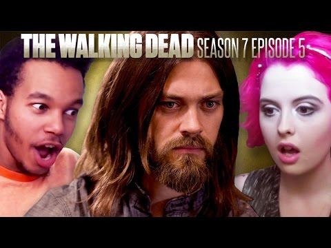 "The Walking Dead: Maggie Rhee ""Go Getters"" Fan Reaction Compilation"