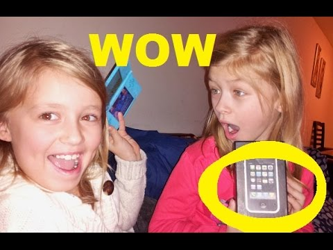 FUNNY Kids Opening Christmas Presents !