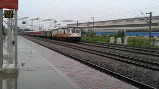 15023 Gorakhpur - Yesvantpur express