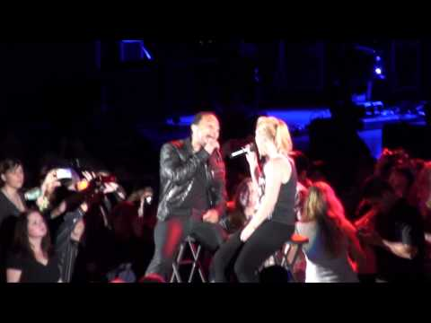 Kelly Clarkson Ft John Legend - You Don't Know Me (Hollywood Bowl)