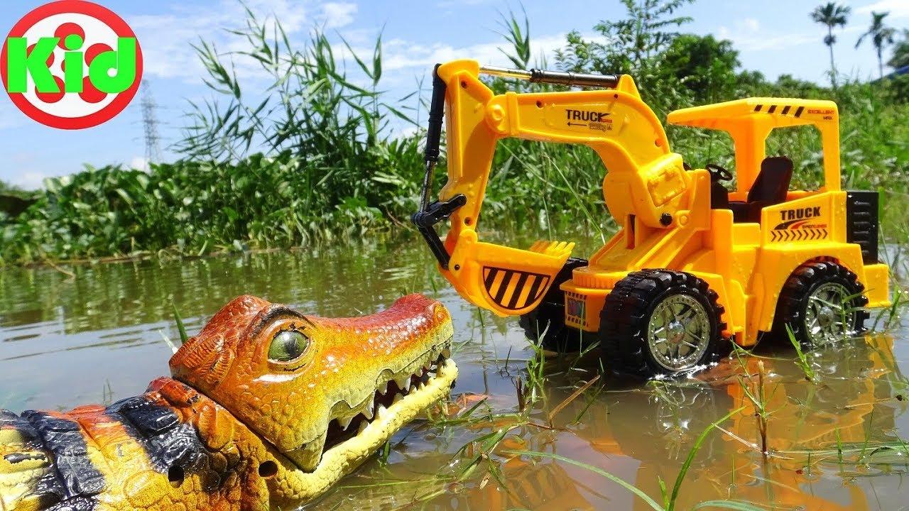 Xe máy xúc, xe ô tô tải và cá sấu khổng lồ – đồ chơi trẻ em B273T Kid Studio