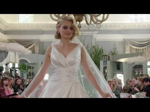 IAN STUART UNFORGETTABLY ME! 2017 Collection