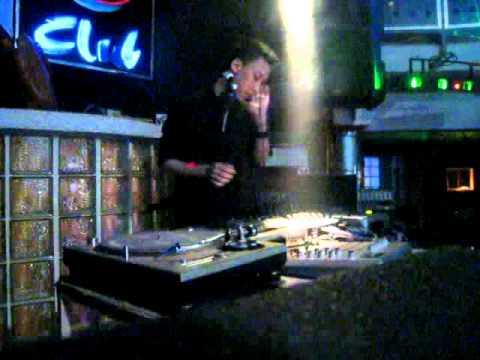 DJ Huy Trần show Nightsky club 16 3 2011