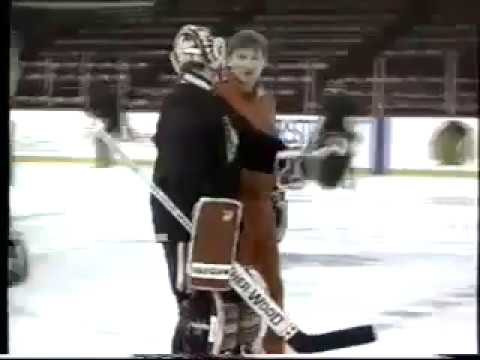 Vladislav Tretiak as a Blackhawks goalie coach (1992)