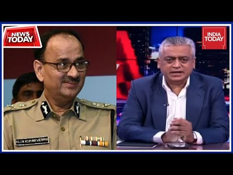 Is Modi Govt Showing Signs Of Panic After CBI Shake Up ?   News Today With Rajdeep
