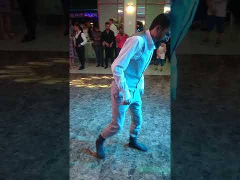 Topal oynuyor Murat Uz. Ankarada sıradan bir gün.