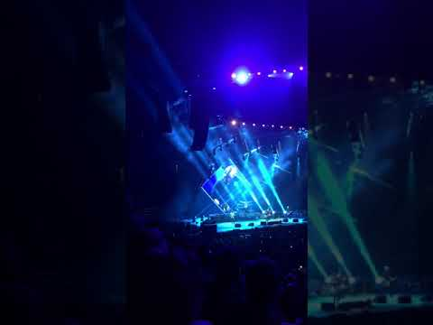 Foo Fighters Cincinnati concrete and Gold tour 2017