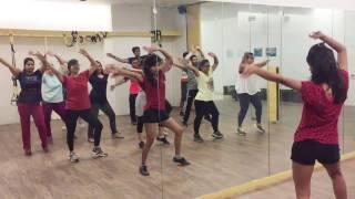 Nashe Si Chadh Gayi | Befikre | Bollywood zumba | Fitness dance with Shruti Trivedi