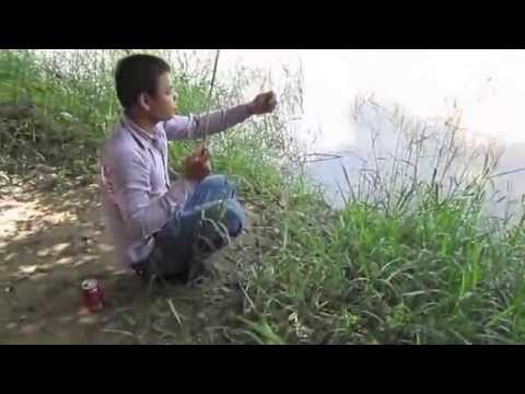 Family Fishing at riverside on the weekend | Fishing Team Cambodia at Mekong river
