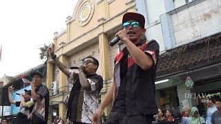 Download Video JHF Live at Malioboro - Ngelmu Pring - Jogja Batik Parade (Batik To The Moon) MP3 3GP MP4