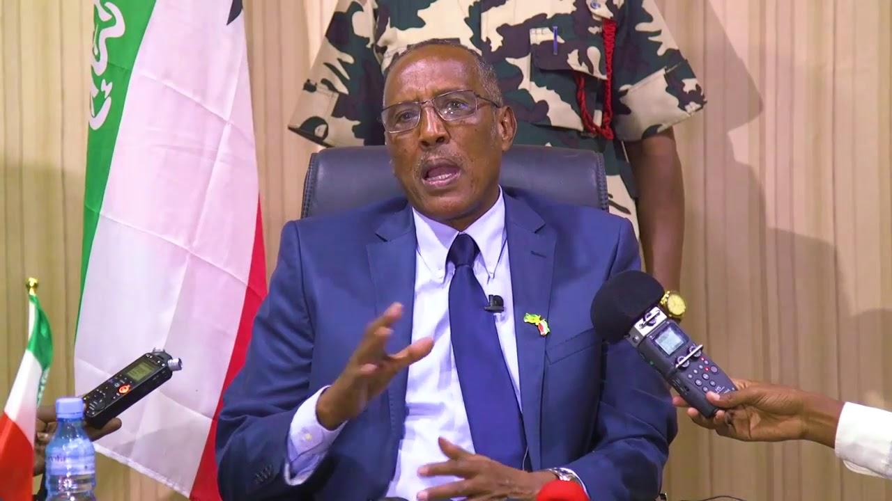Madaxweyne Muuse Biixi Oo Shaqada Ka Eriyey 109 Qof Oo Shaqaale Ka Ahaa Wasaarada Madaxtooyada Somaliland + Sababta