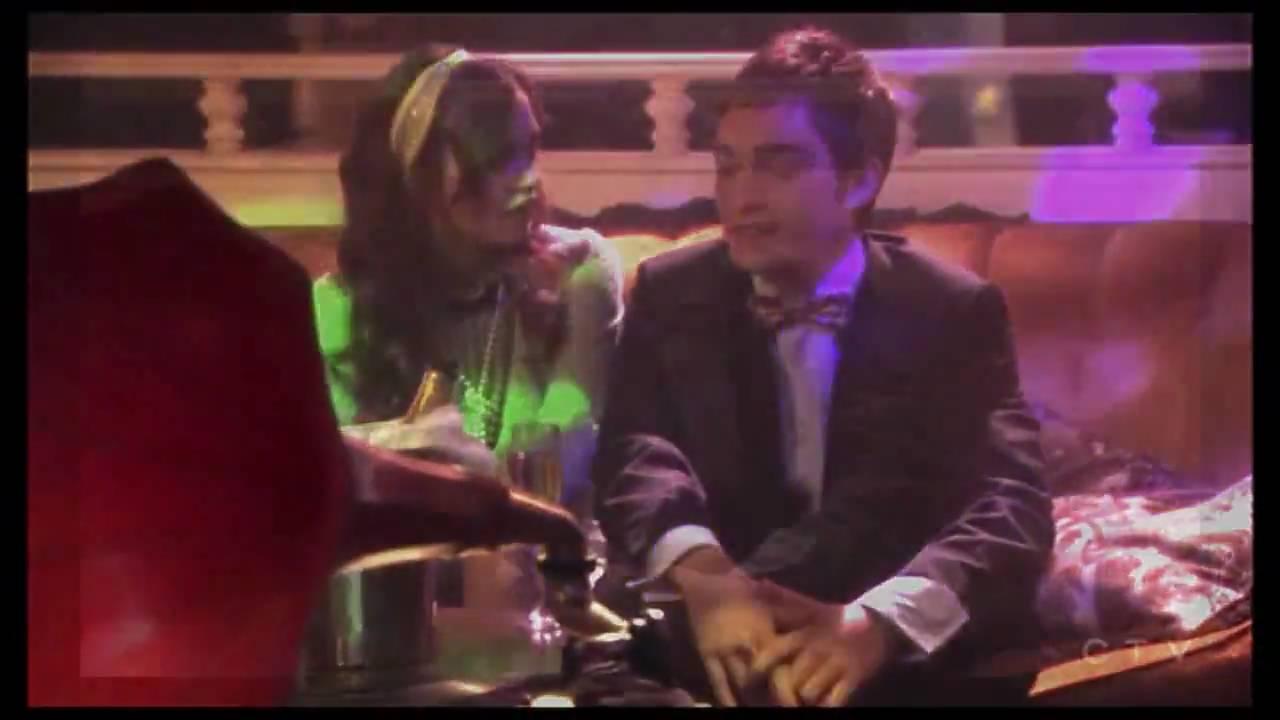 Gg Chuck And Blair A Moment Of Love A Dream A Laugh A Kiss